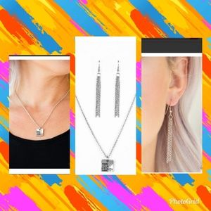 NWT Own Your Journey inspiration necklace set